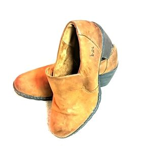 BOC leather booties Size 8